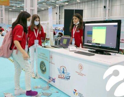 Türkiye'nin dört bir yanından gençler gelecekleri için Teknofest'te buluştu